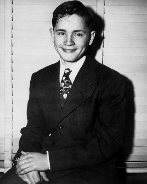 Young Charles Manson Autors: dzeimsons Slavenību Gigapaka