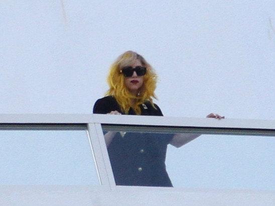 Autors: Omentos Lady gaga noģībst un atceļ koncertu