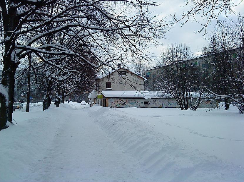 Autors: PizhikZ Sniegs arī citā Rīgas galā.