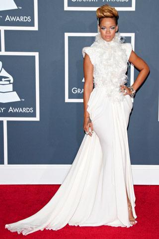 Rihanna in Elie Saab Haute... Autors: kerli121 52nd Grammy Awards