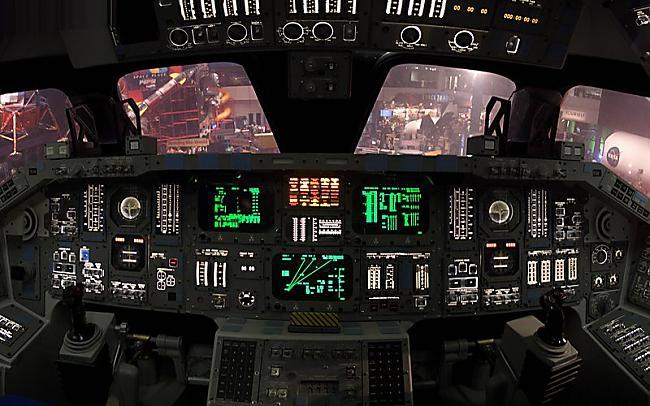 Space Shuttle Cockpit Johnson... Autors: YOSLOWAG Aviācijas vadības paneļi.