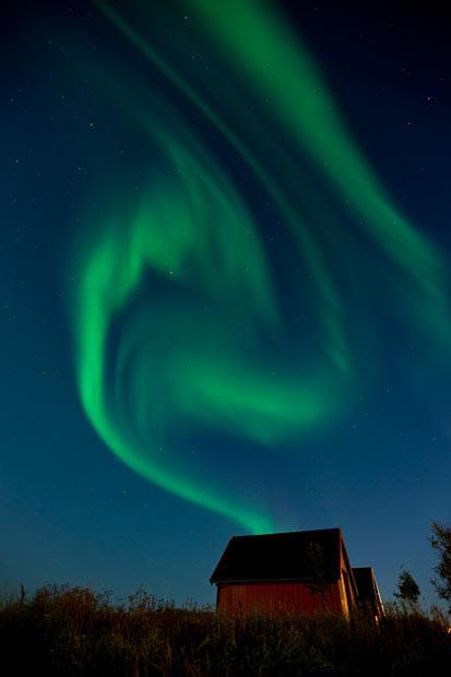 Ziemeļblāzma spirāles formā... Autors: KingOfTheSpokiLand Ziemeļblāzma Norvēģijā!