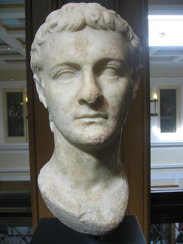 Kaligulas skulptūra Autors: Fosilija Kaligula