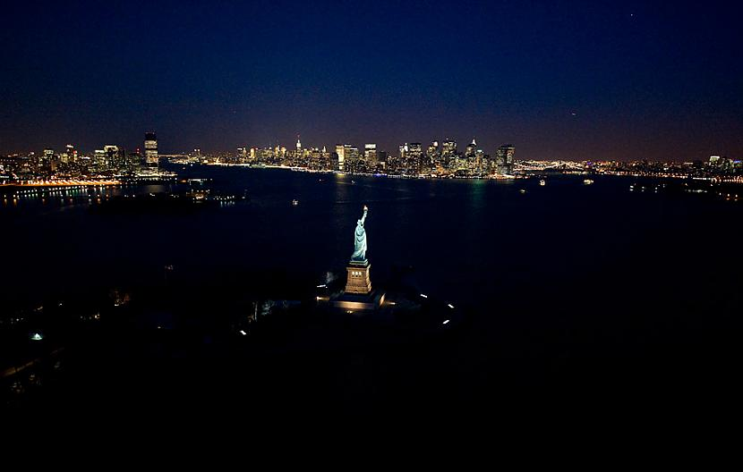 The Statue of Liberty Autors: Samaara NYC and Las Vegas from above, at night.