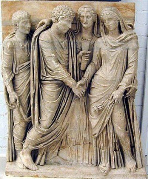 Senajā Romā meitenes tika... Autors: gurkjis Nezināmā Senā Roma! Fakti!