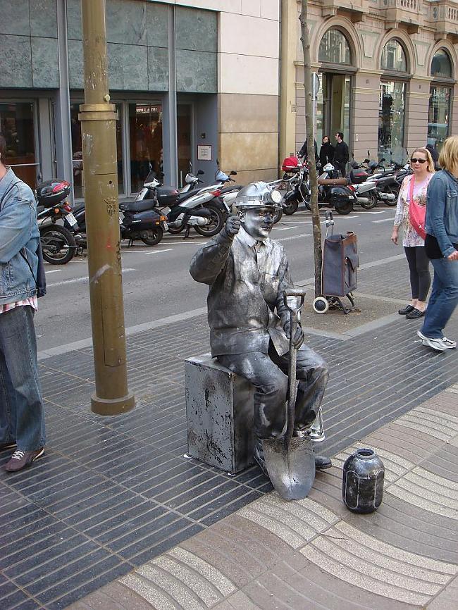 dzīvs Autors: Santaniņa Barselonas skasitums 28.03.2010