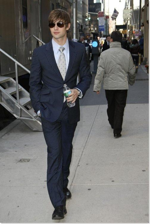 Chace Crawford Autors: Horneta Real man wear suits