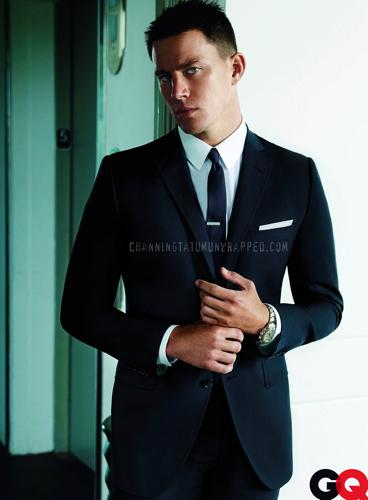 Channing Tatum Autors: Horneta Real man wear suits