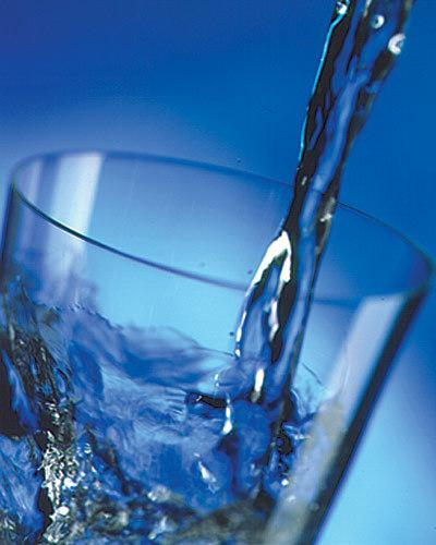 Vienā litrā dzeramā ūdenas ir... Autors: GV666 Fakti par ēdienu