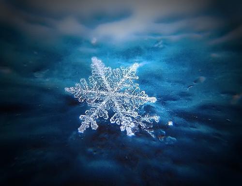 Sniega pārsla krītot ar ātrumu... Autors: Moonwalker Faktiņi par laikapstākļiem