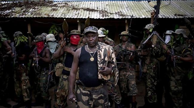 Ateke Tom  šis ir nometnes... Autors: Pirāts Nigērijas naftas pirāti.