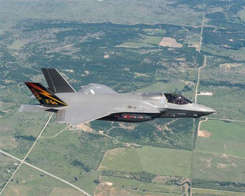 7F35 Lightning II 122 miljoni... Autors: Fosilija 10 dārgākie militārie lidaparāti