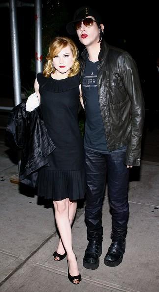 Evan Rachel Wood un Marilyn... Autors: princeSS /Kuras slavenības 2010 gadā izšķīrušās?/
