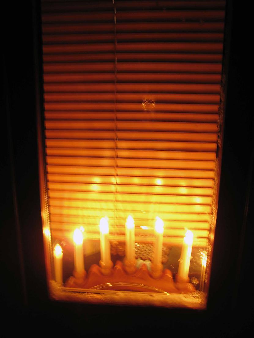Gaidām Ziemassvētkus silti... Autors: Sad Pussy Sniegs..mhhh...