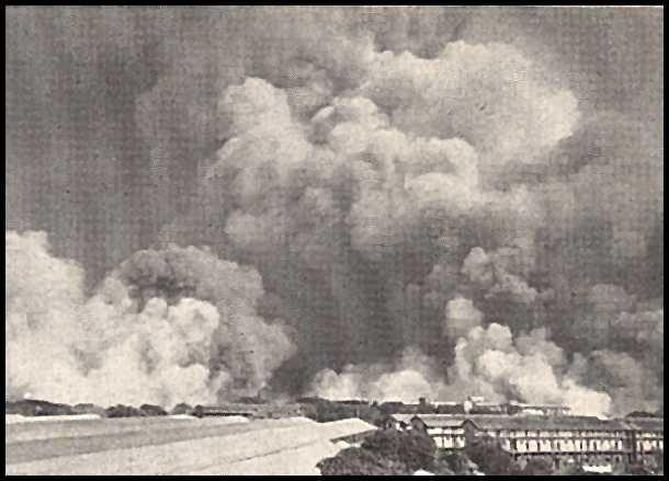 Apmēram pēc divām stundām kopš... Autors: mazza22 pilsēta liesmās! (1944.gads)
