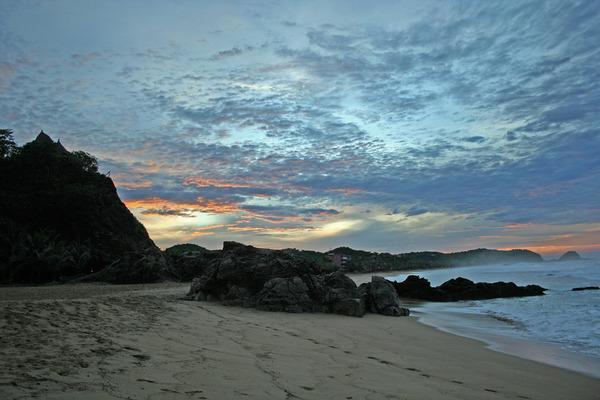 Zipolites pludmale atrodas... Autors: PRESS Bīstamākās pludmales pasaulē.