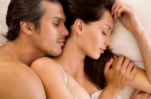 Uz katras gultas guļ L veidīga... Autors: exe Ko mēs uzzinām no Holivudas filmām?