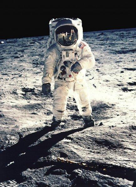 Astranautiem pirms lidojuma... Autors: Tavs Sencis Interesanti fakti par visu ;)