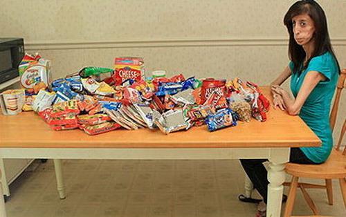 Meitene ik dienu uzņem no 5000... Autors: exe Nedzīvo, lai ēstu.