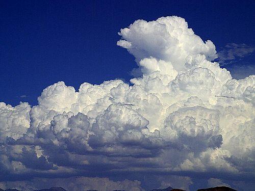 Pūkaini mākoņi augstu pie... Autors: ashulis Kāpēc arktikā nesnieg?