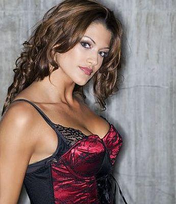 Eve WWE Diva  Dzimusi 1984g... Autors: Fosilija Seksīgākās sievietes restleres