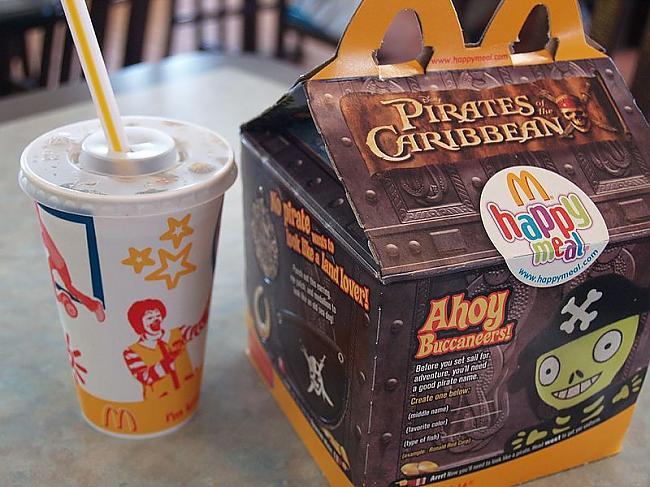 Kā apgalvo PIZC šie komplekti... Autors: Yehet Grupiņa aktīvistu iesūdz McDonald's
