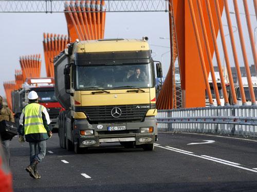10 Autors: nauruha Globa: nelaime ar Dienvidu tiltu notiks trīs četru mēneš