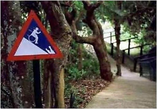 Autors: GarsigsAbols Smieklīgas Brīdinājuma Zīmes!
