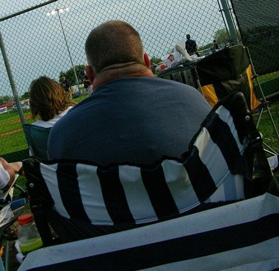 Tavam kaklam ir tauku spilvens... Autors: Marsietiss 14 pazīmes, ka tev jāievēro diēta.