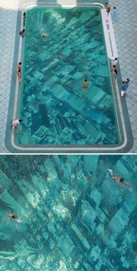 Nē Ņujorka vel nav zem... Autors: MJ 10 fascinējošākie pasaules peldbaseini!!