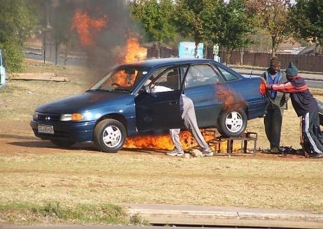 Autors: filips123 Melnādaino auto remonts.