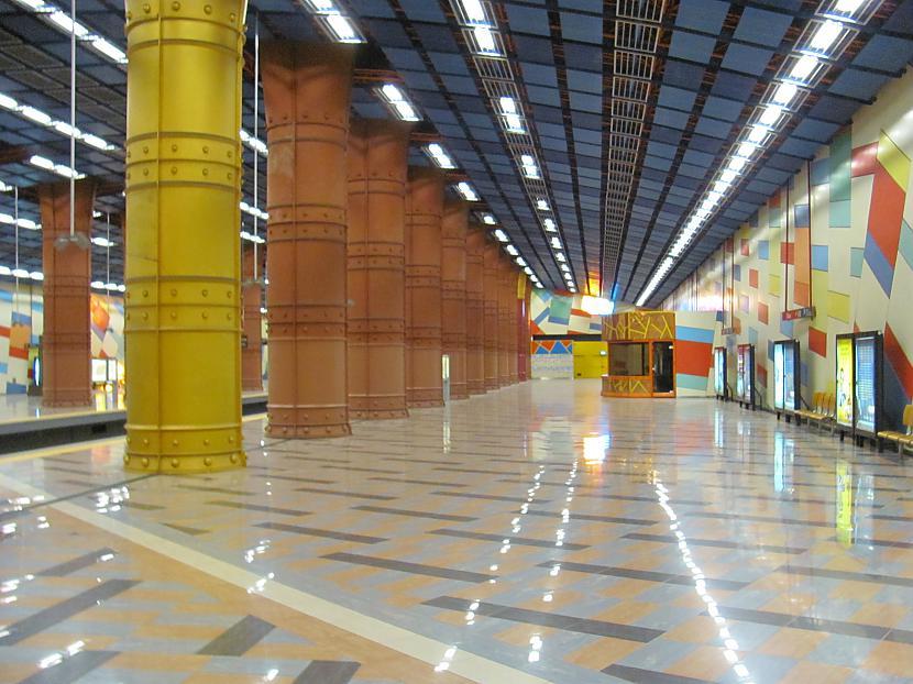Šī bilde arī ir metro stacijā... Autors: Skoolnieks Mans ceļojums uz Portugāli