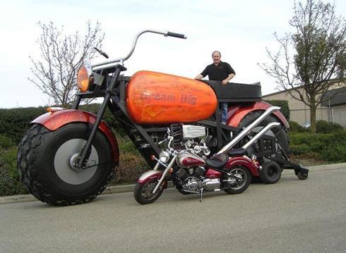 Pasaulē lielākais braucošais... Autors: FOXERISs Jocīgie motocikli