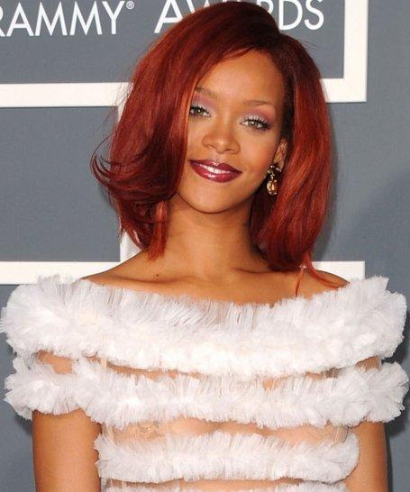 Lai gan uzstājoties tikai... Autors: endijaaa Rihanna :)