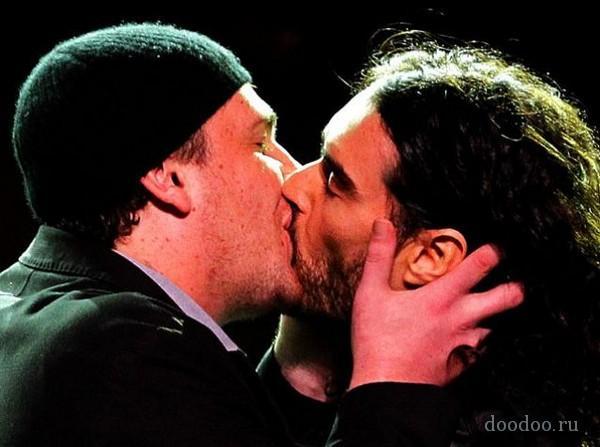 Jason Segel  Russell Brand Autors: Boni ~Slavenību skūpsti~