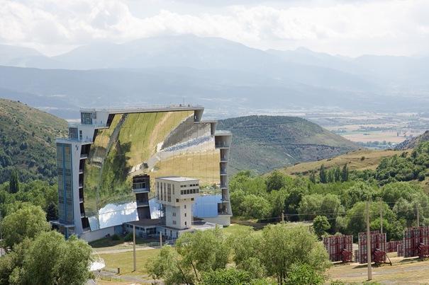 Solar FurnaceNemācēju iztulkot... Autors: battery Interesantākās ēkas pasaulē.