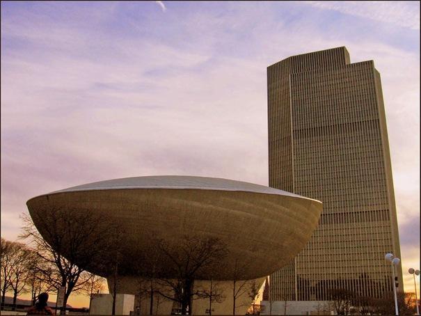 Ola  Atrodas Ņujorkā Amerikas... Autors: battery Interesantākās ēkas pasaulē.
