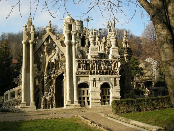 Ideālā pils  Atrodas Francijā... Autors: battery Interesantākās ēkas pasaulē.