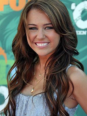 Miley Cyrus vienpadsmit gadu... Autors: vienssantīms Pa karjeras kāpnēm