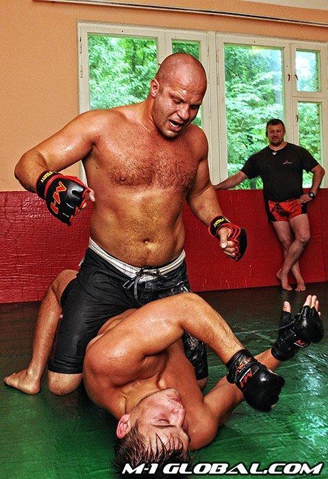 Fjodors pieprot vairākas cīņas... Autors: Fosilija Fedor Vladimirovich Emelianenko