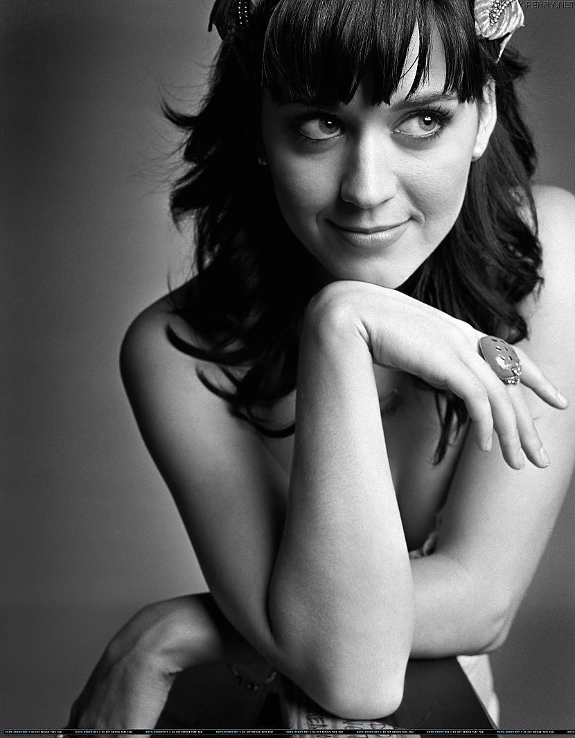 Katy Perry 8 vieta Autors: hellokitty5 Top Beautiful woman(2011)