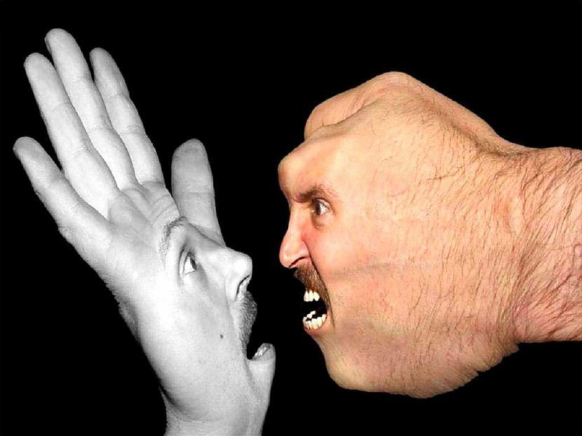Parasti kādas personas... Autors: VerDom Ķermeņa valoda 1.daļa: Personas teritorija un saskarsmes