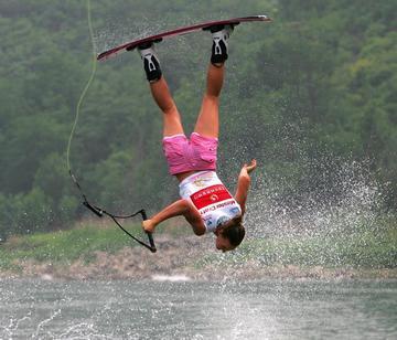 WakeboardingBraucējs parasti... Autors: Čiekuriņš Ekstrēmie sporta vedi.