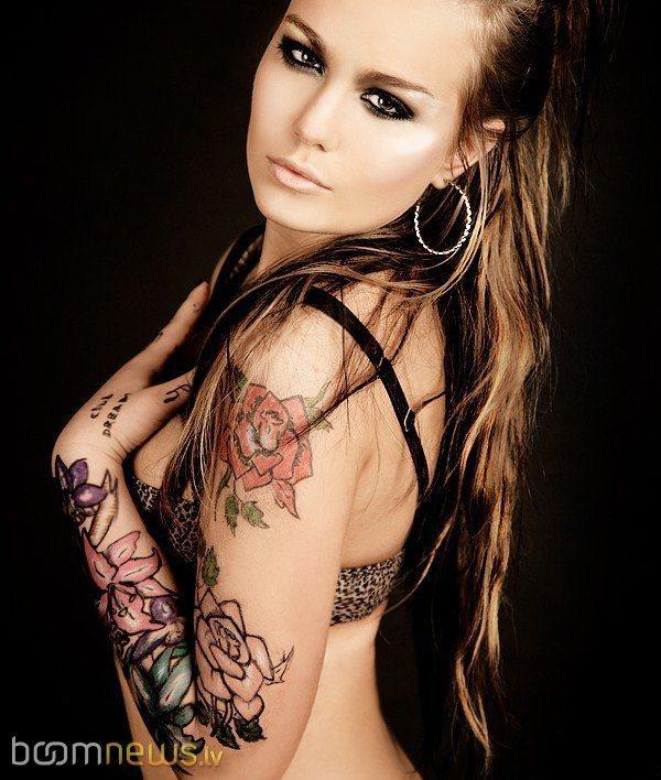 Autors: Fosilija Tetovētas meitenes.