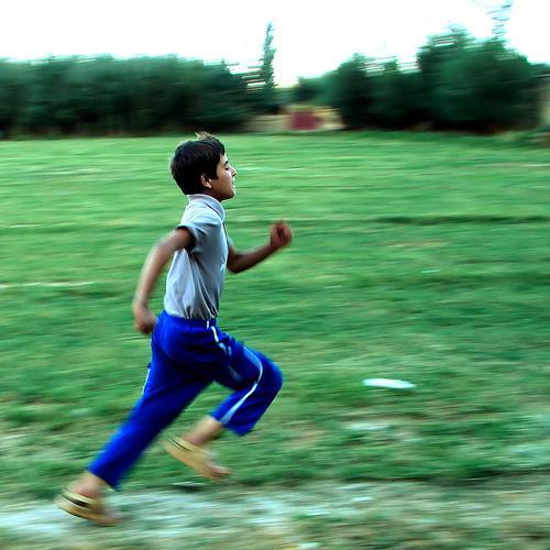 Kad tu skrien un tu piekūsti... Autors: RaveQueen kā atšķirt īstu CS spēlētāju no fake? ;D