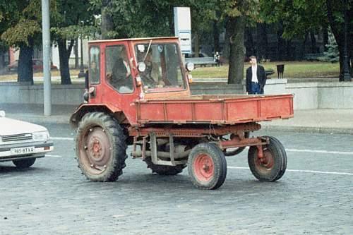 Jo braukt ar traktoru bija tik... Autors: brock96 Skaista ir jaunība