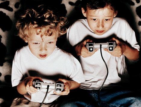 Spēlēt Sacensību videospēles... Autors: ČOPERS Ko dara Dzērāji??