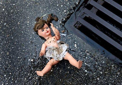 Autors: GreenStarlight Ķīnā mirusi ar auto sabrauktā mazulīte