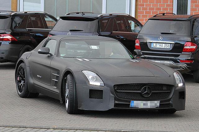 MercedesBenz SLS AMG Black... Autors: TheSaint Mercedes-Benz SLS AMG Black Series uzsāk testus.