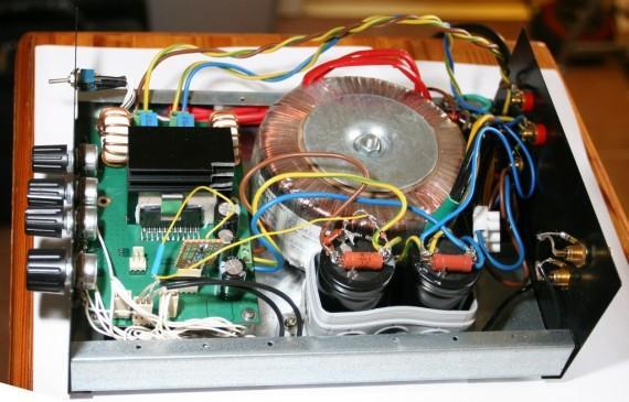 Pirmā ieslēgšana elektronikā... Autors: BLACK ALIGATOR D-klases audio pastiprinātājs...